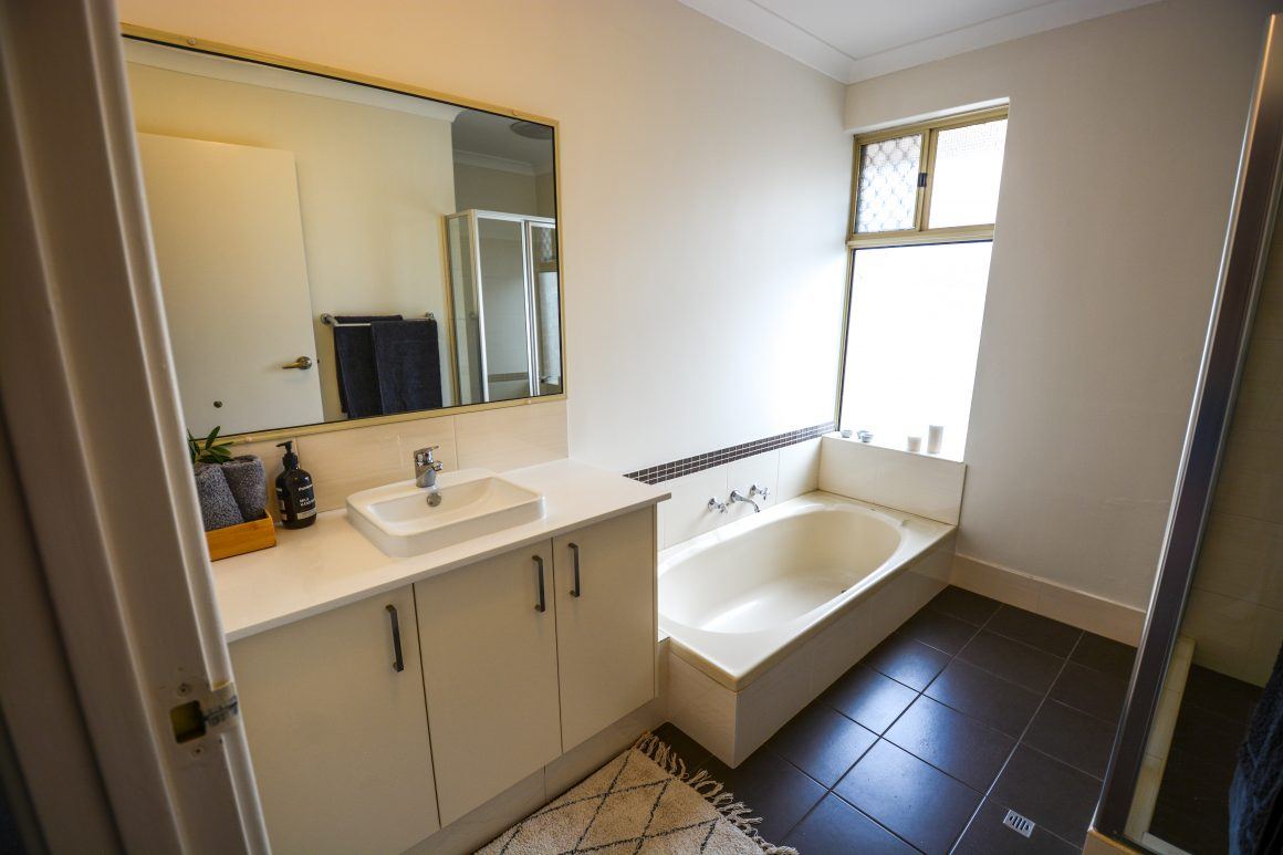 staging-bathrooms